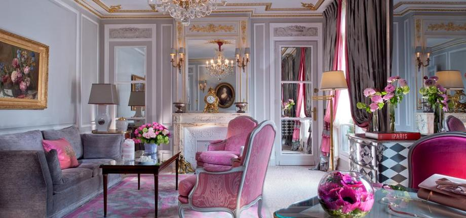 Prestige-Suite-Living-Room_tbe_room_carousel