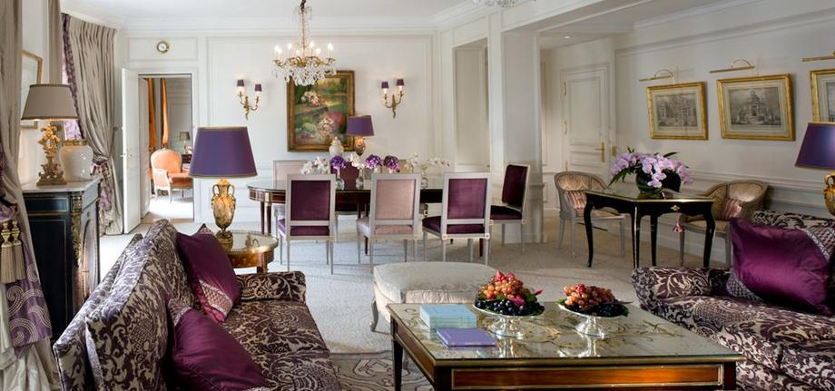 Royal-Suite-Living-room-2_tbe_room_carousel