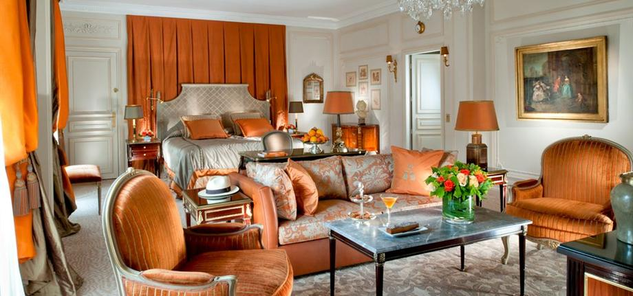 Royal-Suite-Master-Bedroom_tbe_room_carousel