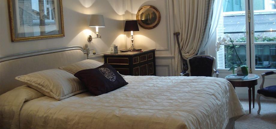 Standard-Room_tbe_room_carousel