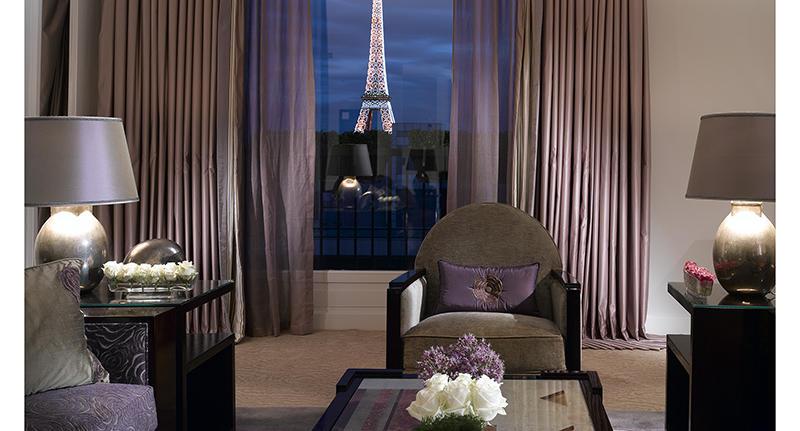 Suite-Eiffel-888_tbe_room_carousel