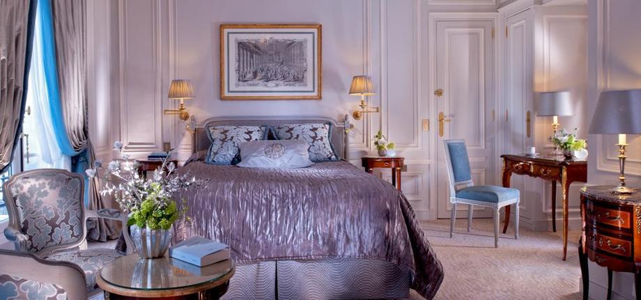 Superior-Room_tbe_room_carousel