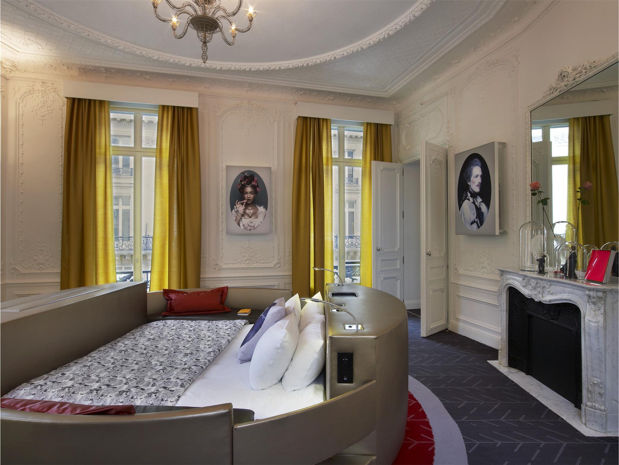 E Wow Suite W Paris