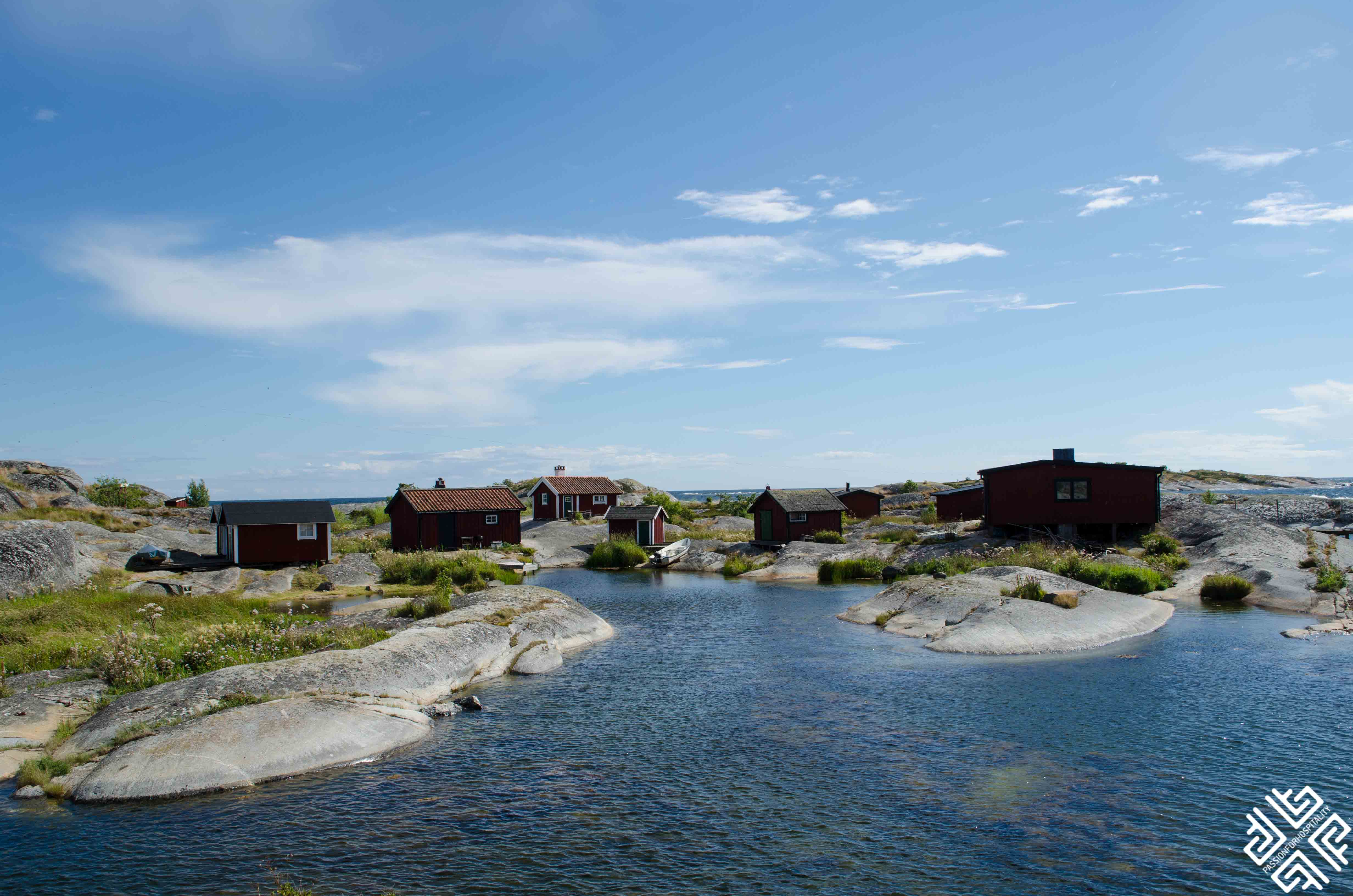 uvudskär attracts sea travellers and tourists.
