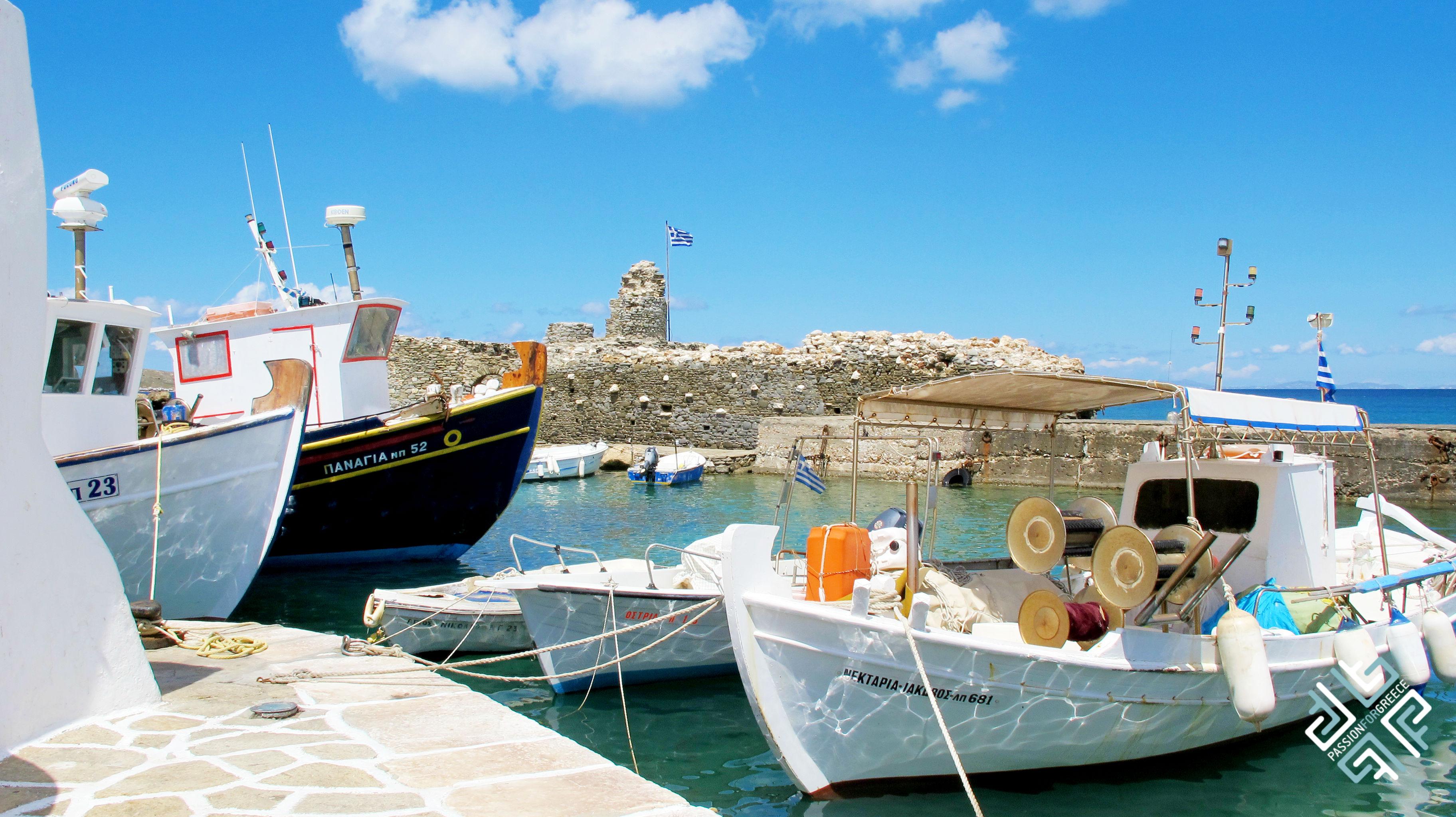 passionforgreece_paros_boats