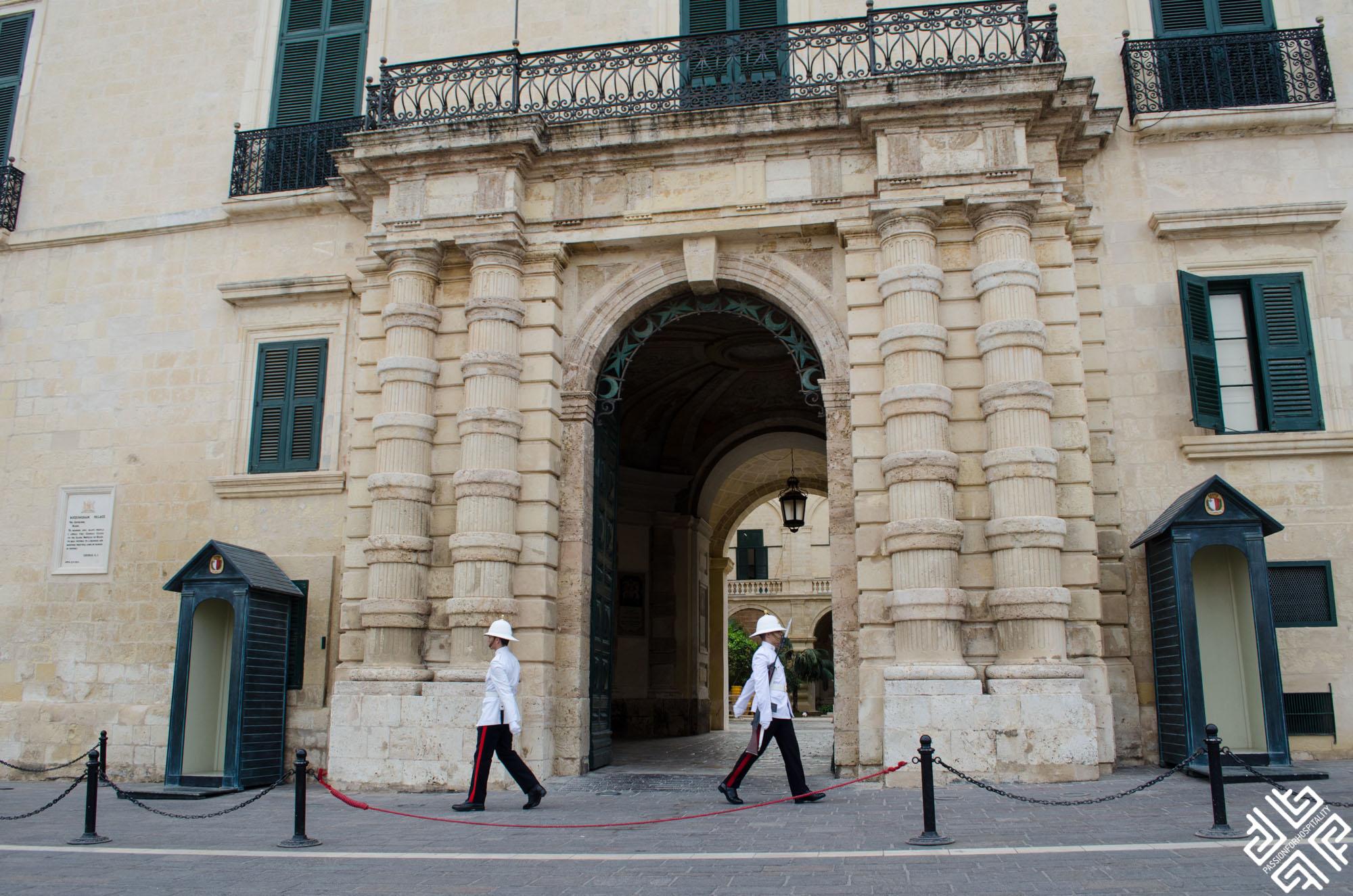 valletta-malta-st-georges-square-1