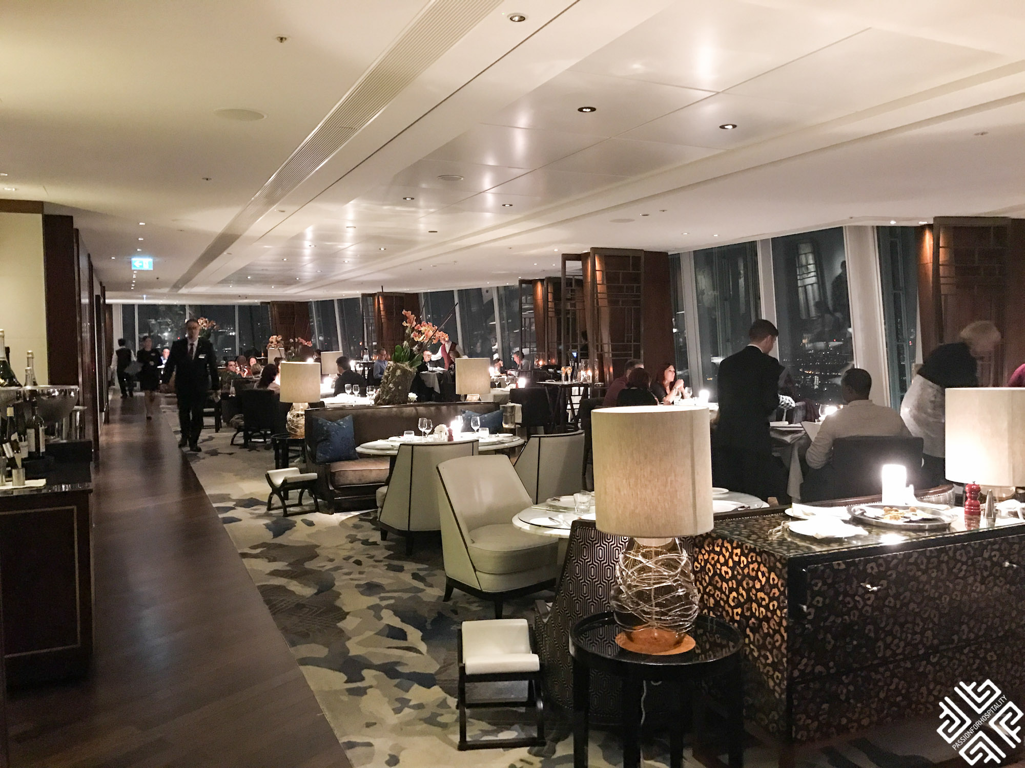 Ting restaurant and lounge shangri la hotel london for Restaurants at the shard